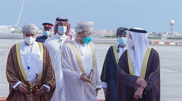 وزير الخارجية العمانية لدى وصوله إلى البحرين (الخارجية العمانية)