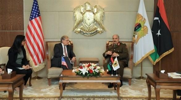 جانب من لقاء المشير حفتر مع سفير الولايات المتحدة الأمريكية لدى ليبيا (المرصد الليبية)