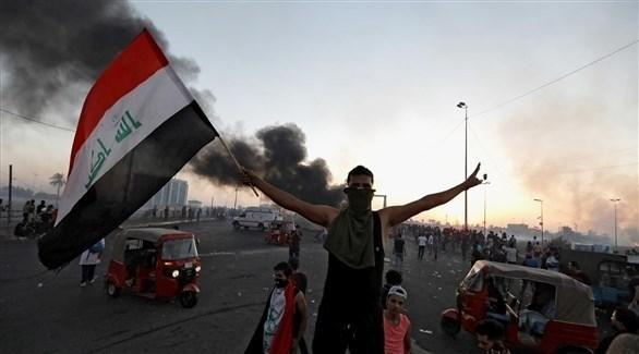 متظاهر عراقي في بغداد (أرشيف)