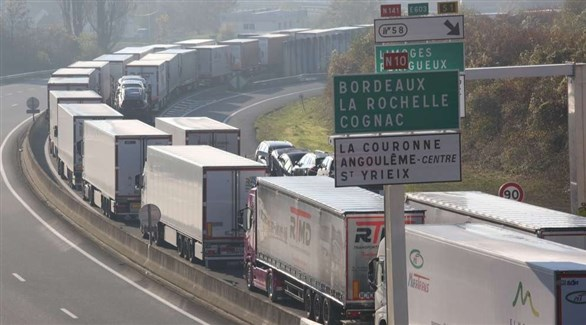تكدس شاحنات بضائع في فرنسا (أرشيف)