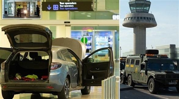 سيارة التي صدم بها الموقوفان مطار برشلونة (تويتر)