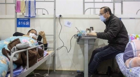 مصابون بالفيروس في مستشفى بمدينة ووهان الصينية (أرشيف)