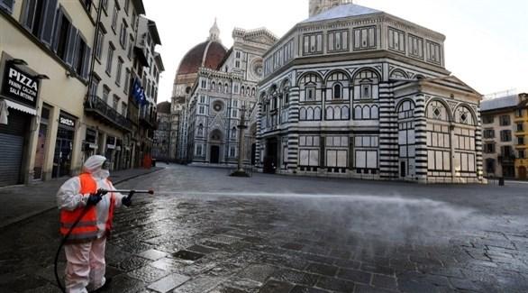 تعقيم الشوارع في إيطاليا (أرشيف)