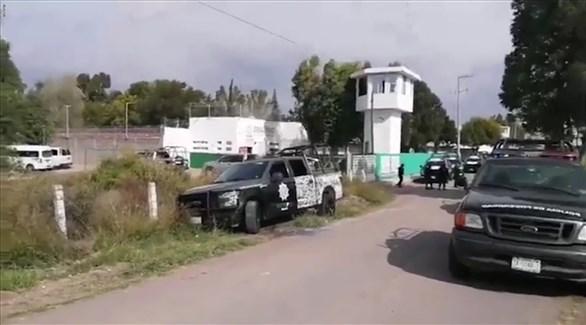 شرطة مكسيكية خارج أحد السجون (أرشيف)