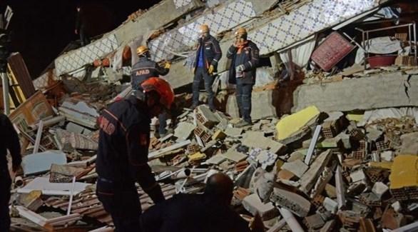 فرق إنقاذ في موقع زلالزال ضرب شمال الجزائر (أرشيف)