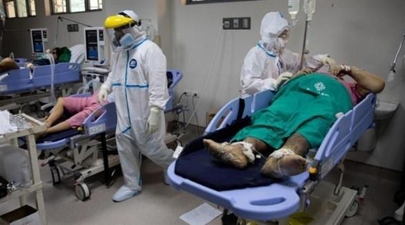 مصابون بكورونا في أحد المستشفيات (أرشيف)