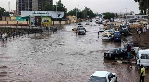 منظر عام لأحد الشوارع الغارقة بمياه الفيضانات (أرشيف)