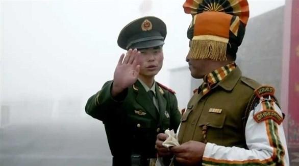 القوات الهندية والصينية (أرشيف)