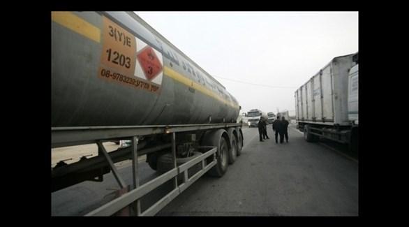 شاحنات تنقل نفطاً إلى غزة (أرشيف)