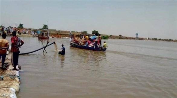 سودانيون محاصرون بمياه النيل (أرشيف)
