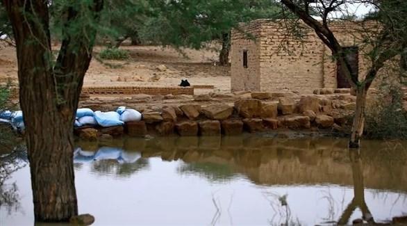 أكياس رمل حول آُثار مرُوي الأثرية في السودان (أ ف ب)