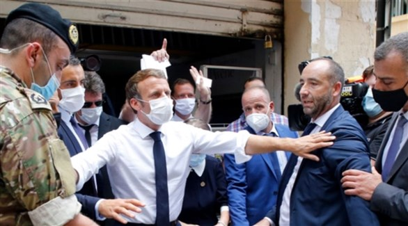 الرئيس الفرنسي إيمانويل ماكرون في مرفأ بيروت اليوم الثلاثاء (تويتر)