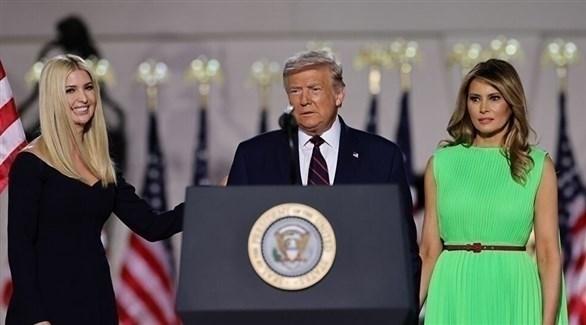الرئيس الأمريكي دونالد ترامب وزوجته وابنته (أرشيف)