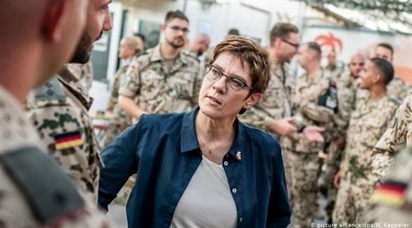 وزيرة الدفاع الألمانية انيغريت كرامب-كارنباور (أرشيف)