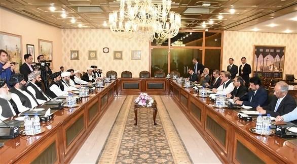 اجتماع سابق بين الحكومة الأفغانية وطالبان (أرشيف)