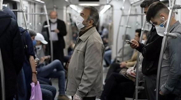 إيرانيون في عربة قطار (أرشيف)