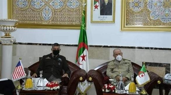جانب من اللقاء الذي جمع الطرفين (التلفزيون الجزائري)