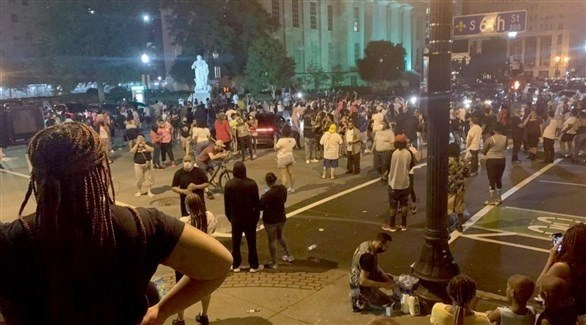 محتجون في لويسفيل بكنتاكي على مقتل تايلور (نيويورك تايمز)