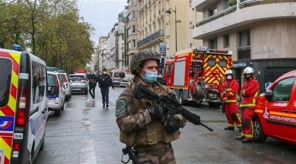 عناصر من الشرطة والدفاع المدني في مكان الحادث (أرشيف)