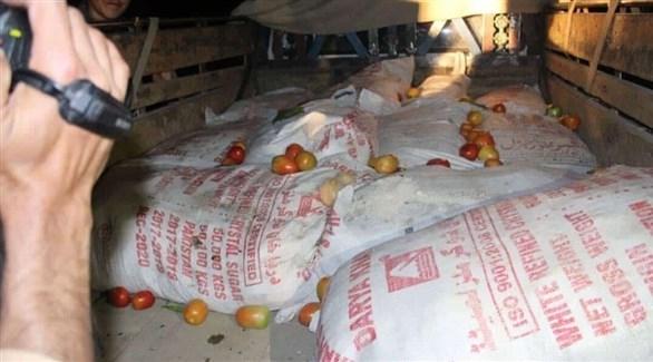 مواد كيمائية صادرتها قوات الأمن الأفغانية في مناسبة سابقة (أرشيف)