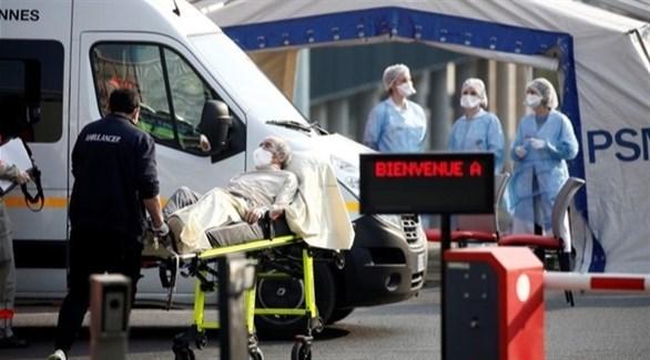 مركز طبي متنقل لكشف الإصابات بكورونا في فرنسا (أرشيف)