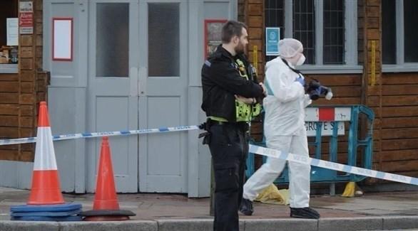 الشرطة البريطانية في موقع الحادث (تويتر)