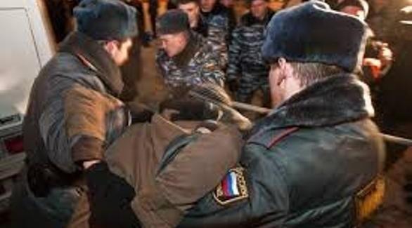 الشرطة الروسية تعتقل أحد مناصري المعارضة (أرشيف)
