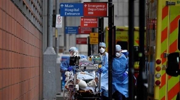 نقل مصاب بفيروس كورونا في بريطانيا (أرشيف)
