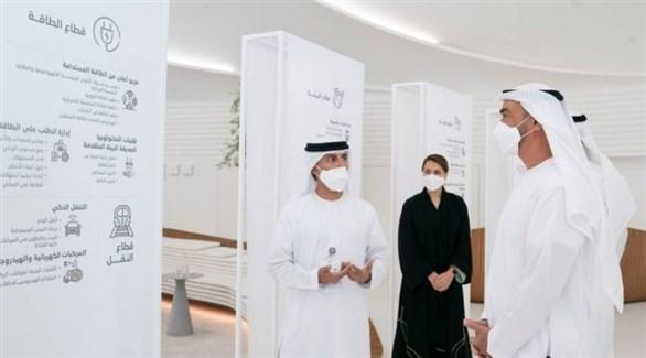 الشيخ محمد بن زايد يطلع على مبادرة الحياد المناخي في إكسبو دبي (أرشيف)