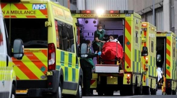 سيارات إسعاف في لندن تنقل مصابين بكورونا (أرشيف)