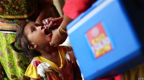 تطعيم طفلة ضد الشلل (أرشيف)