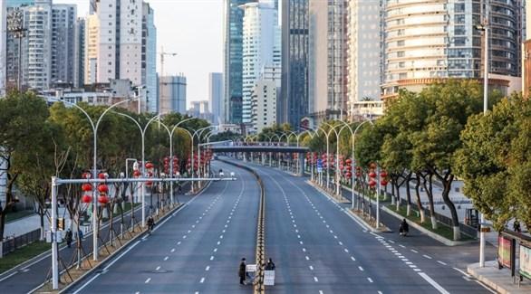 شارع مقفر في مدينة صينية مغلقة بسبب كورونا (أرشيف)
