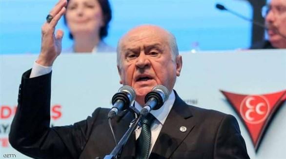 زعيم حزب الحركة القومية التركي المتطرف دولت بهجلي (أرشف)