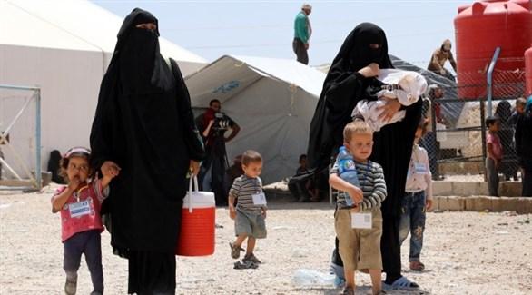 عراقيتان من عائلات داعش في مخيم نازحين (أرشيف)
