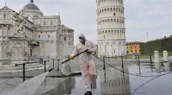 تعقيم أماكن عامة في إيطاليا (أرشيف)