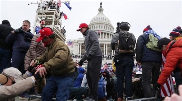 أنصار ترامب يقتحمون مبنى الكونغرس (أرشيف)