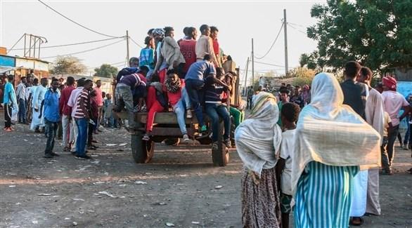 مدنيون هاربون من النزاع في إقليم تيغراي الأثيوبي (أرشيف)