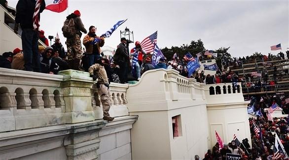 متظاهرون أمريكيون يقتحمون مبنى الكابيتول (أرشيف)