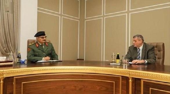 رئيس بعثة الأمم المتحدة للدعم في ليبيا يان كوبيش وقائد الجيش المشير خليفة حفتر (فيس بوك)