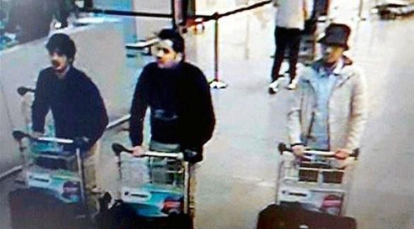 ثلاثة من أعضاء خلية داعش في مطار بروكسل كما صورتهم كاميرات مراقبة (أرشيف)