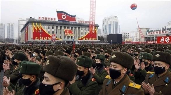 تجمع للعناصر العسكرية في عرض للجيش داخل كوريا الشمالية (أرشيف)