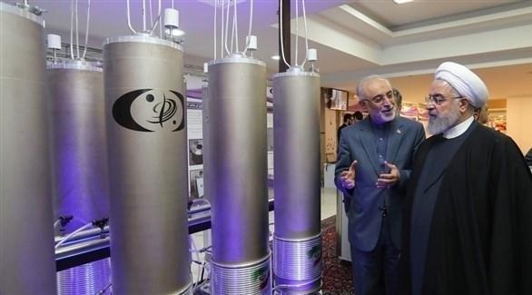 الرئيس الإيراني حسن روحاني خلال جولة في منشأة نووية (أرشيف)