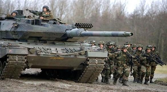 جنود ألمان حول دبابة (أرشيف)