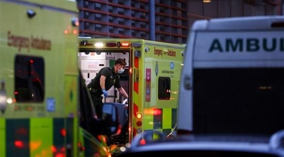 سيارات إسعاف أمام مستشفى في بريطانيا (أرشيف)
