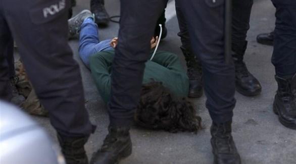 اعتقال أحد المتظاهرين في تركيا (أرشيف)