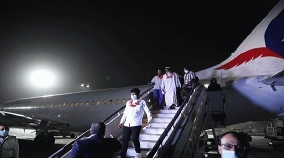 بعض المصابين السودانيين أثناء الثورة عند وصولهم إلى القاهرة (وزارة الصحة المصرية)