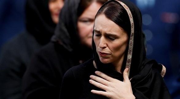 رئيسة وزراء نيوزيلندا جاسيندا أردرن خلال تقديم تعازي بضحايا هجوم المسجدين (أرشيف)