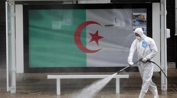 تعقيم الأماكن العامة في الجزائر (أرشيف)
