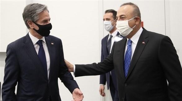 وزيرا الخارجية التركي مولود تشاوش أوغلو والأمريكي  أنتوني بلينكن في بروكسل (تويتر)