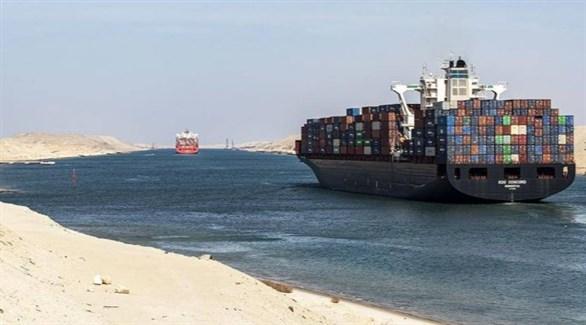 سفن في قناة السويس تنتظر استئناف الحركة عبر القناة (تويتر)